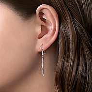 14k White Gold Tapered Diamond Drop Earrings