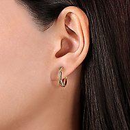 14k Yellow Gold Hampton Huggie Earrings