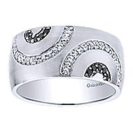 925 Silver Contemporary Wide Band Ladies' Ring angle 5
