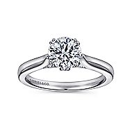 Britta 18k White Gold Round Solitaire Engagement Ring angle 5
